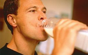 Чем лучше разбавлять сывороточный протеин после тренировки?