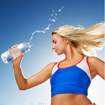 Как вода способствует сжиганию жира